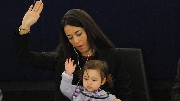 O Parlamento Europeo aposta por aumentar a representación feminina nos consellos directivos