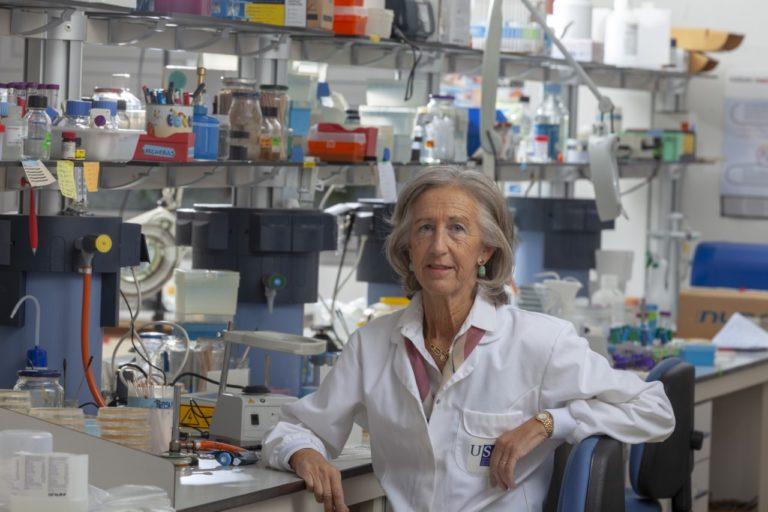 [ENTREVISTA] ALICIA ESTÉVEZ TORANZO, catedrática de Microbioloxía