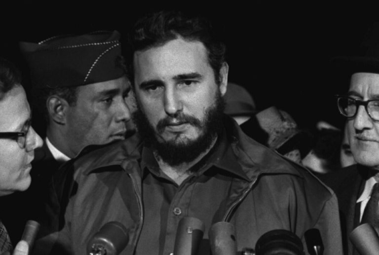 CUBA (I): UNHA ILLA SOMETIDA A UN BLOQUEO